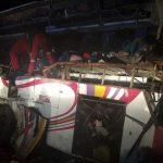 Bolivia: Choque entre autobús y camión deja 24 muertos